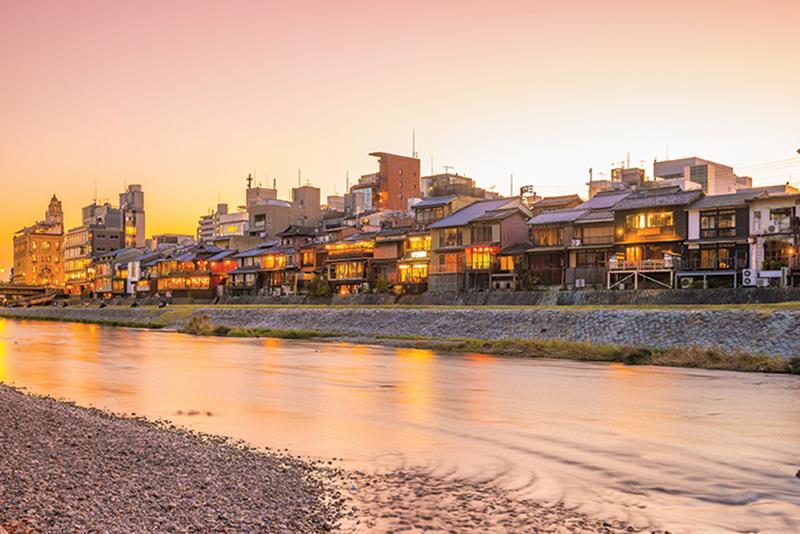 RUNNING KYOTO KAMO RIVER