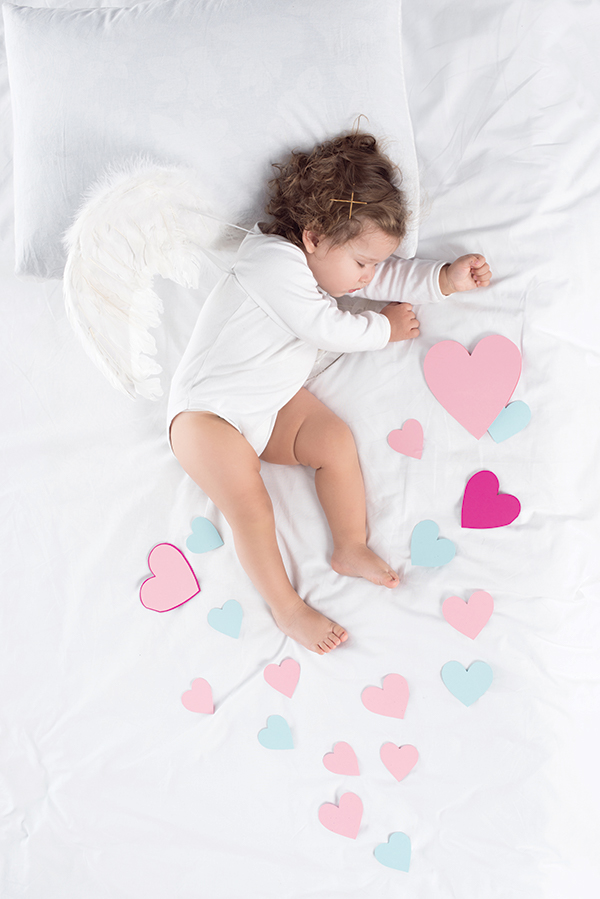 how to sleep kids parents baby girl sleeping on matress