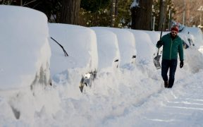 shovelling snow workout
