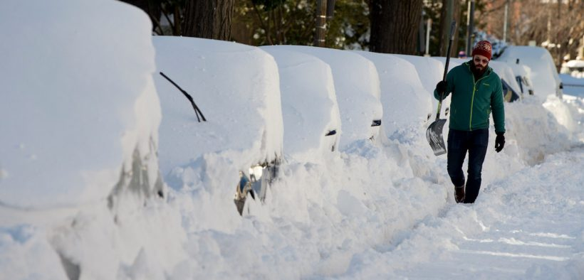 shovelling snow workout